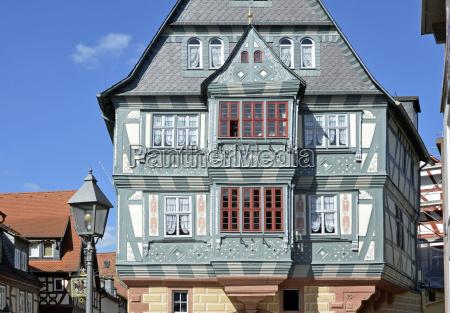 storica facciata della haus zum riesenmiltenberg