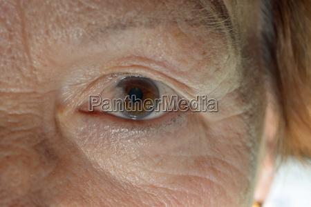 salute faccia occhio organo allievo trattamento